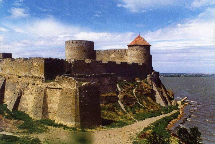 v-odesskoy-oblasti-pytauytsya-spasti-akkermanskuyu-krepost